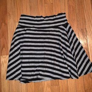 Forever 21 Black & Grey Skirt